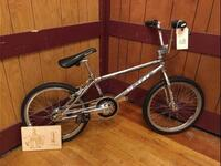 https://bmxmuseum.com//image/76EED7A2-9271-4EE7-AED2-333617CDD9CD.jpg
