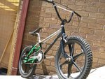 http://bmxmuseum.com//image/various_home_pics_dec_07_082_copy1.jpg