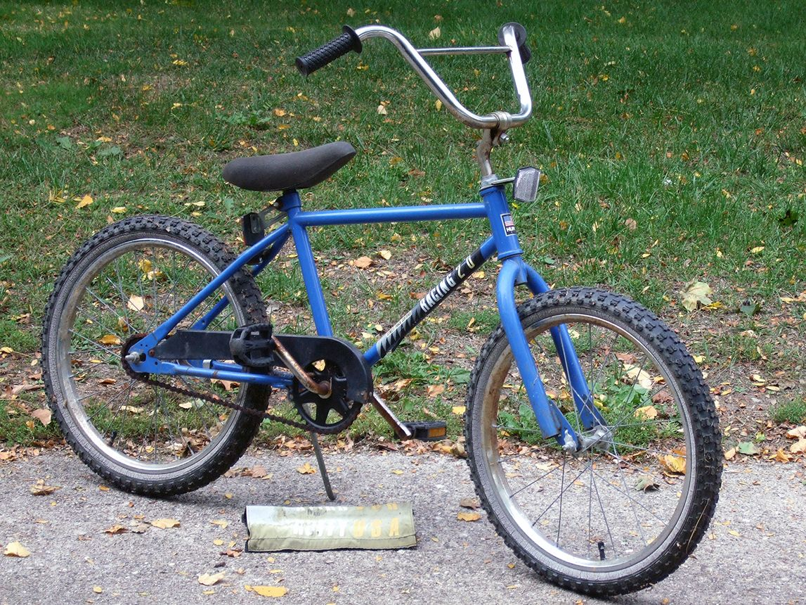 https://bmxmuseum.com/forsale/Huffy-Racing-20-1_blowup.jpg