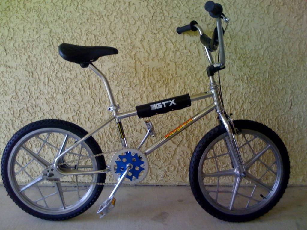 http://bmxmuseum.com/image/01_copy22_blowup.jpg