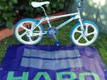 http://bmxmuseum.com/image/85_haro_sport_5optimized.jpg