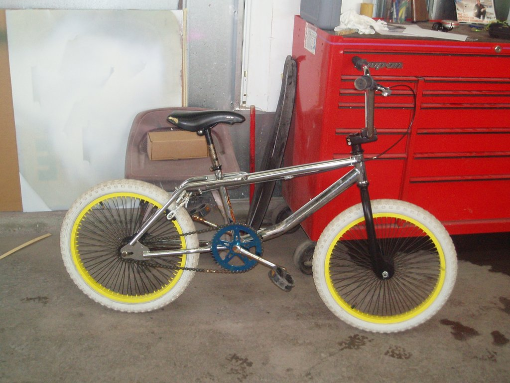 89 GT Performer http://bmxmuseum.com/bikes/gt_bicycles/11495
