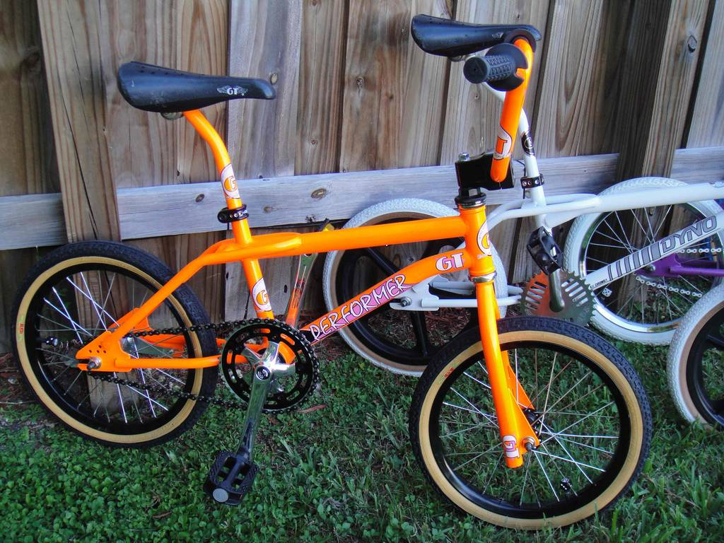 89 GT Performer http://bmxmuseum.com/bikes/gt_bicycles/41834