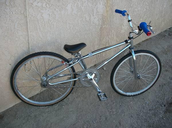 http://bmxmuseum.com/image/bmx_bikes_020_copy3_lg.jpg
