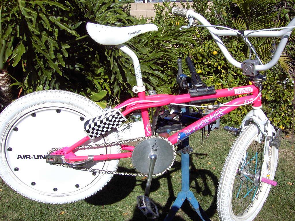http://bmxmuseum.com/image/danny_s_bikes_001_blowup.jpg