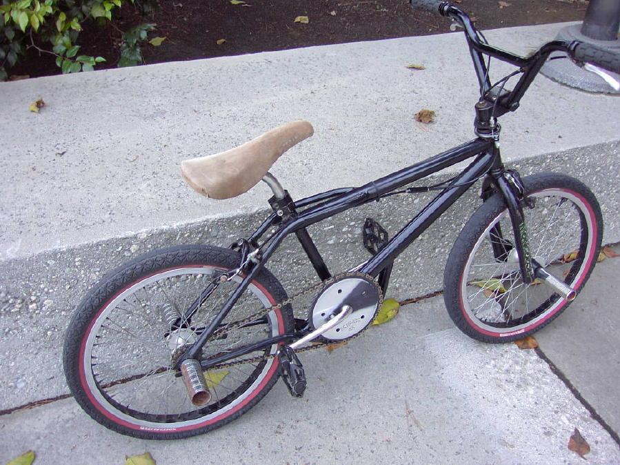 https://bmxmuseum.com/image/dannys_bikes_325_blowup.jpg
