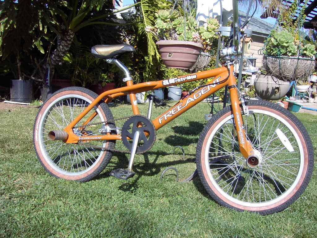 https://bmxmuseum.com/image/dans_bikes_for_sale_005_blowup.jpg