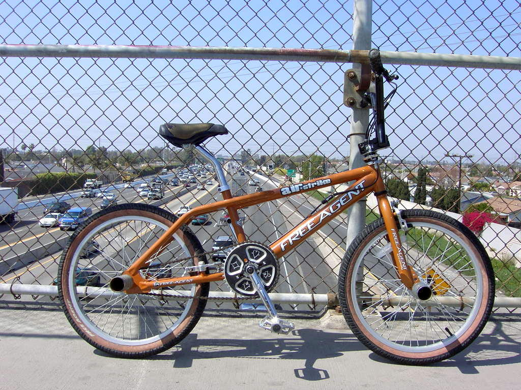 https://bmxmuseum.com/image/dans_bikes_for_sale_324_blowup.jpg