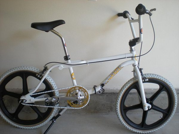 89 GT Performer http://bmxmuseum.com/bikes/gt_bicycles/32942