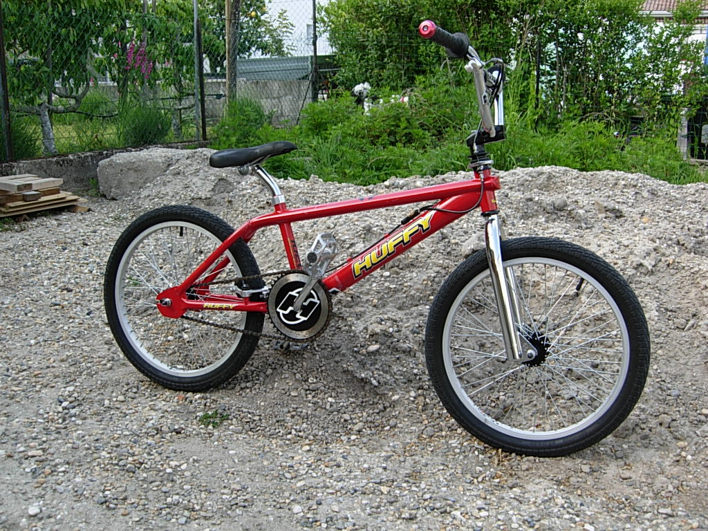 http://bmxmuseum.com/image/huffy_twist_blowup.jpg