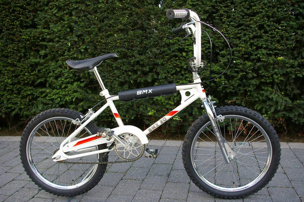 Pro Taper Handlebars >> 1981 Velamos - BMXmuseum.com