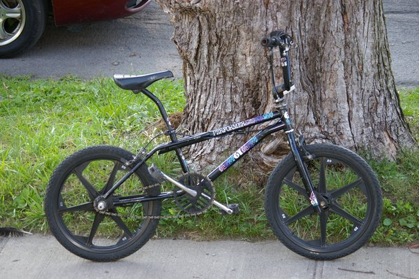 89 GT Performer http://bmxmuseum.com/bikes/gt_bicycles/14308