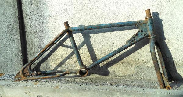 http://bmxmuseum.com/image/side1_copy51_lg.jpg
