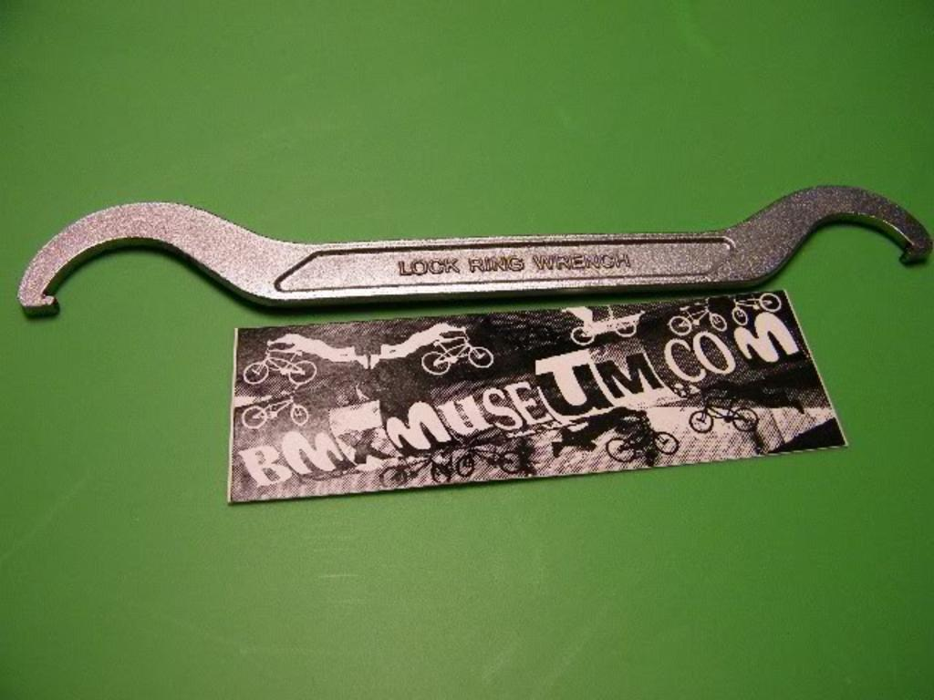 Hozan C-205 Bottom Bracket Tool LOCK RING WRENCH