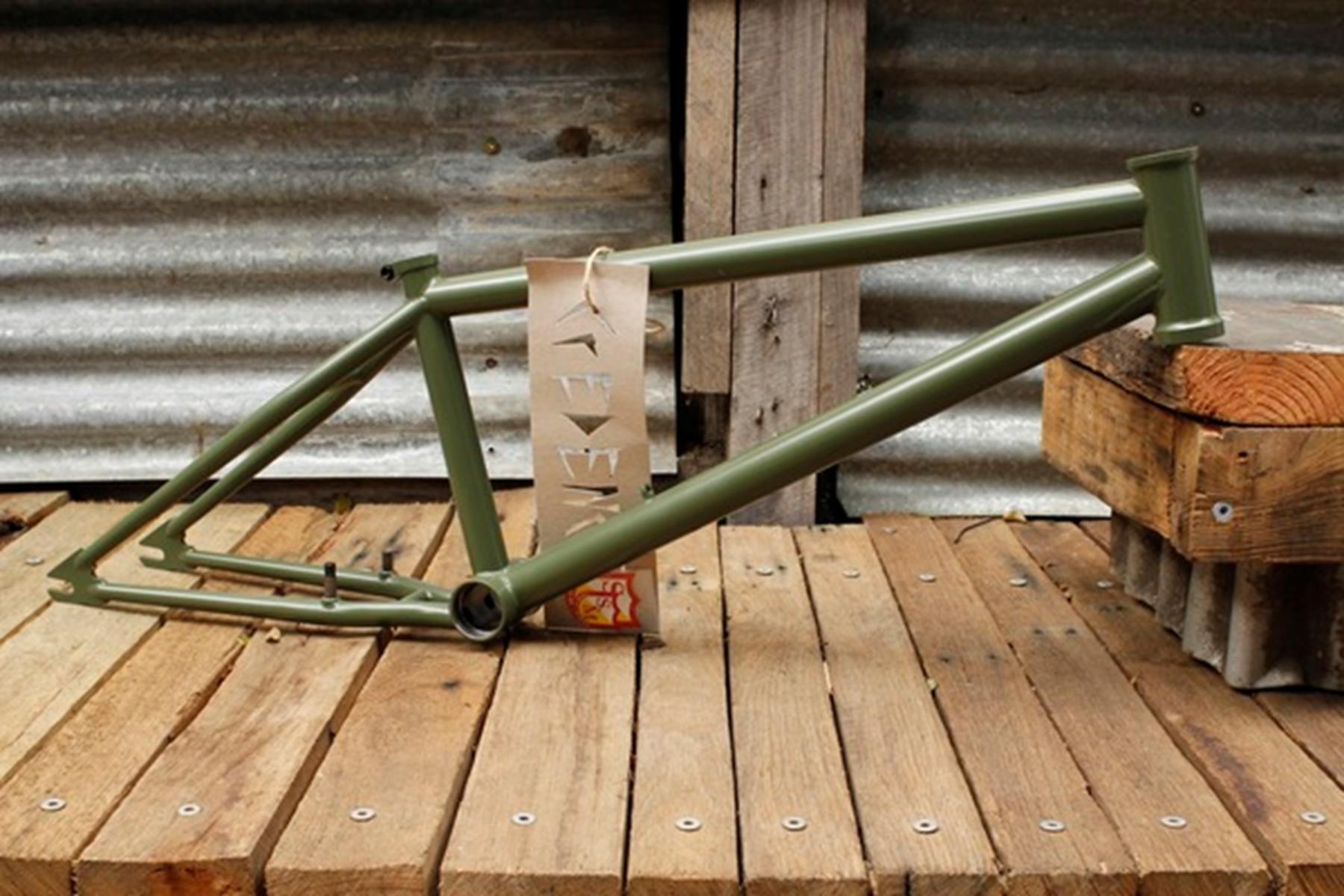 S/&M BIKES REYNOLDS CCR GRIPS ARMY GREEN BMX BIKE GRIP TRAILS CREDENCE